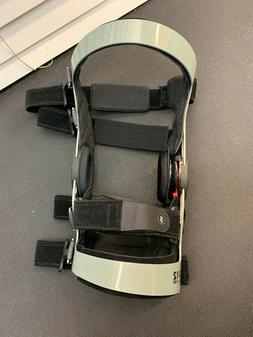 g363so- NEW Breg  Knee Brace - Z 12 OA Adj. Size XL- Right K