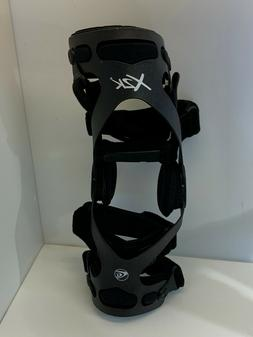 g790-  NEW Breg X2K Hinged Knee Brace